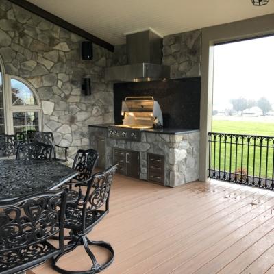 outdoor kitchen on deck